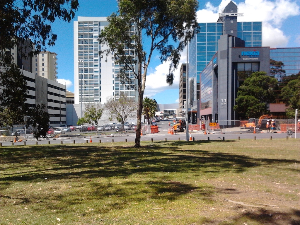 From Hayman Park to Manukau City Centre Could this be a cafe/bar/hospitality corridor for Manukau City Centre?
