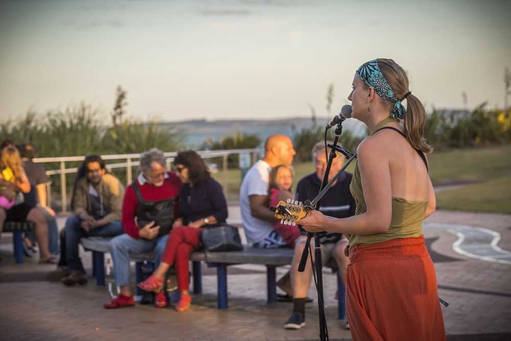 Boulevard of Buskers Festival' held in Orewa 31 Jan – 2 Feb 2014.  Credit: Auckland Council.