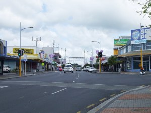 Papakura Town Centre from north end Source: http://amerinz.blogspot.co.nz/2009/10/auckland-views-papakura.html