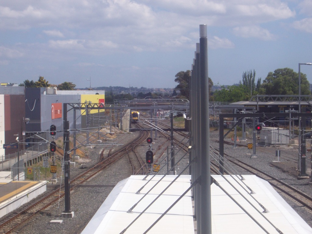 And here she is pulling into Papakura Station