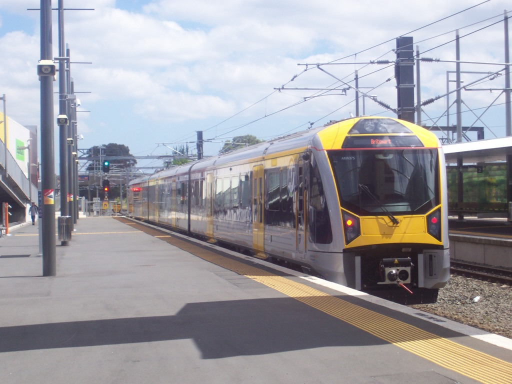 And away she goes on her maiden trip from Papakura to Britomart on the Southern Line.