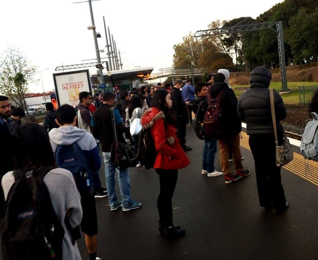 Papatoetoe Station full Source: A fellow reader and train user
