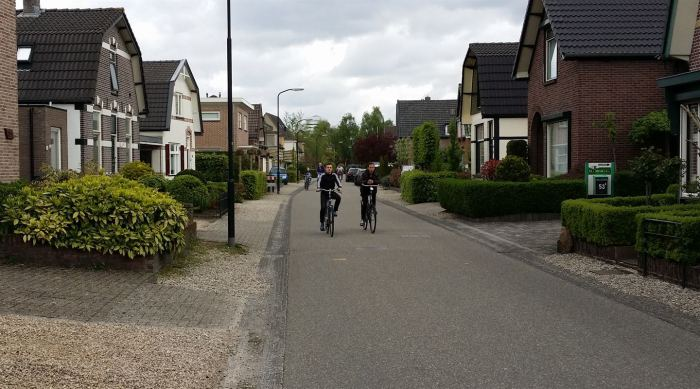 Apeldoorn - local streets are easy to bike on without any special facilities