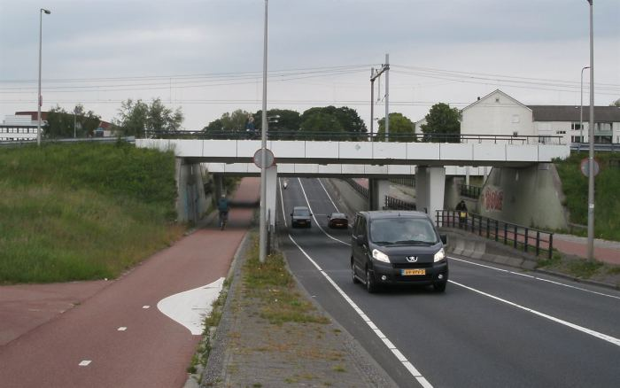 Under or over in Enschede - the Dutch do like their grade separation