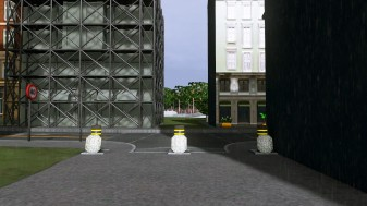 Bollards dividing pedestrian mall to main roads