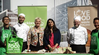 Councillor Penny Hulse and Parul Sood with the AUT team. Source: Auckland Council.