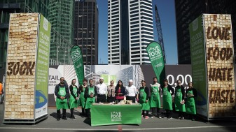 Councillor Penny Hulse and Parul Sood with AUT chefs and Council wastewise advisors. Source: Auckland Council