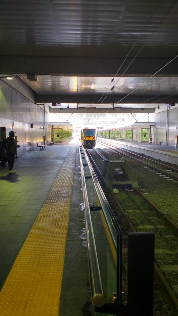 Train at Manukau Station