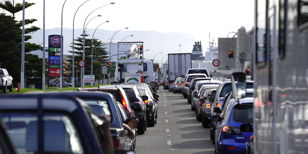 Hewletts Road jammed up Source: http://www.nzherald.co.nz/bay-of-plenty-times/news/article.cfm?c_id=1503343&objectid=11786056#pq=1Trwjn